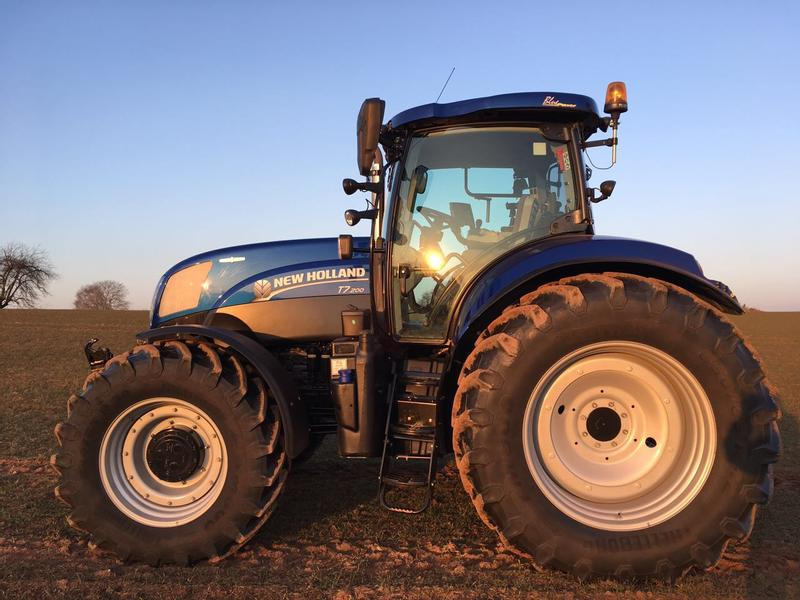 New Holland T 7.200AC