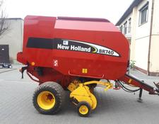 New Holland BR740