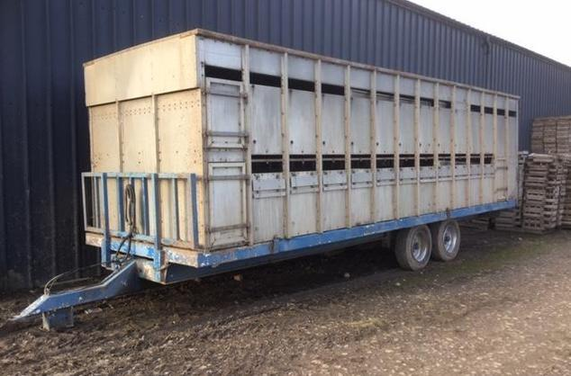 27ft stock box with sheep decks