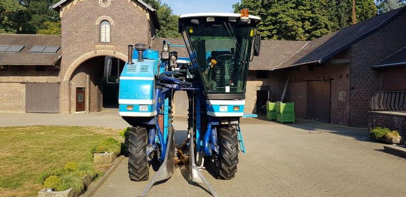 New Holland Braud SB 56 Johannisbeervorsatz
