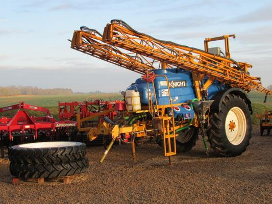 Other KNIGHT ES Trailed 24 metre Sprayer